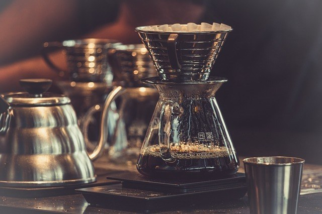 ペーパードリップ(三角錐)式フィルターのコーヒーの淹れ方のコツ