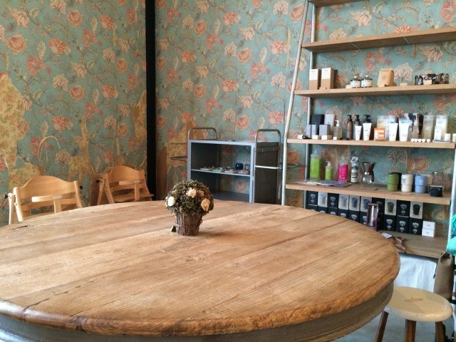 815 Coffee Stand_interior2