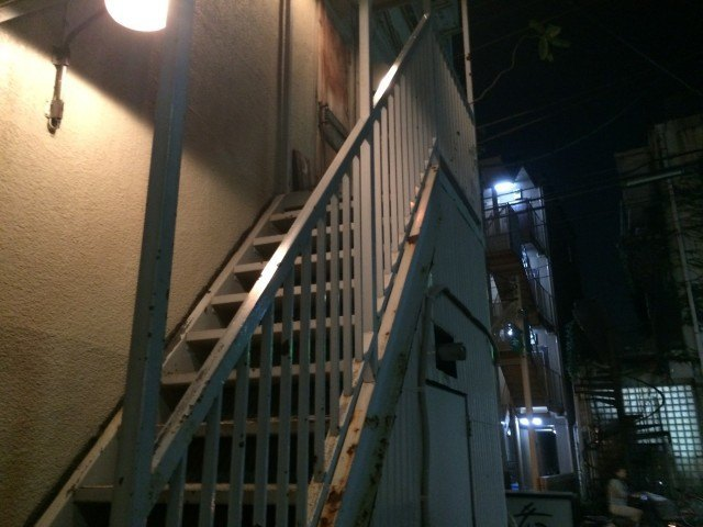 Moon Factory Coffee_stairs