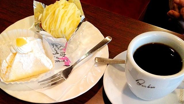 BONBON泉本店_コーヒーとケーキ