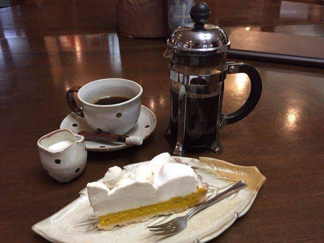 丸山珈琲_軽井沢本店_かぼちゃケーキとコーヒー