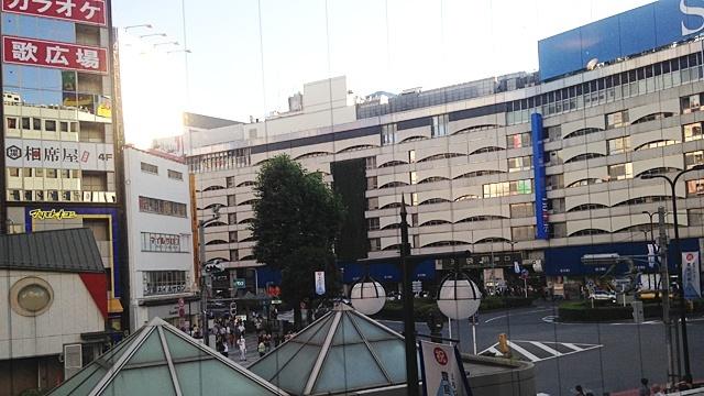 タカセ_窓の景色1