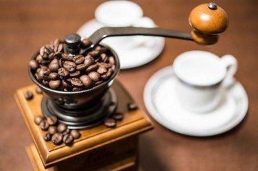 コーヒーミルの選び方(手動式?電動式?)