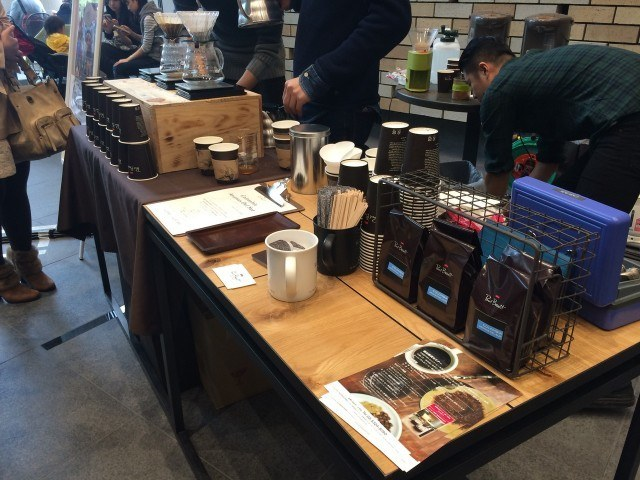 COFFEE COLLECTION around 神田錦町2015_paulbassett