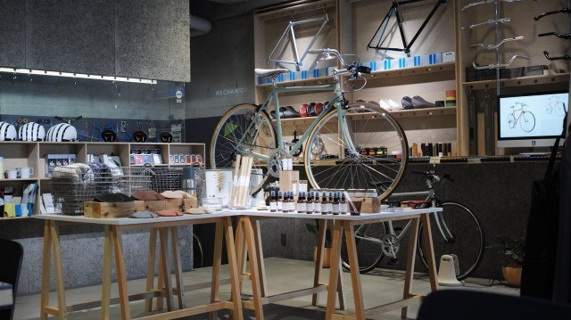 Coffee&CYCLE SPECIALITY COFFEE by ONIBUS_interior3