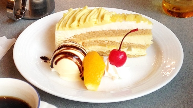 COFFEESHOPギャラン_ケーキ