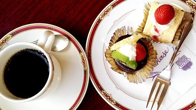タカセ_コーヒーとケーキ