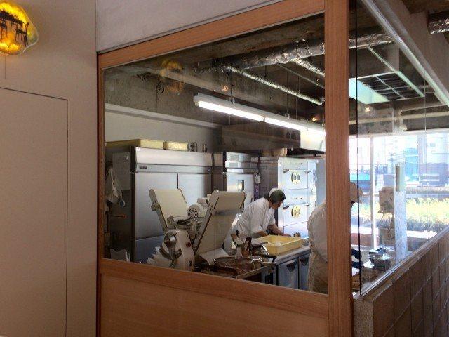 Cawaii Bread & Coffee_terrace_breadmakingspace