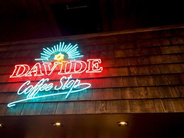 DAVIDE Coffee Stop_logo