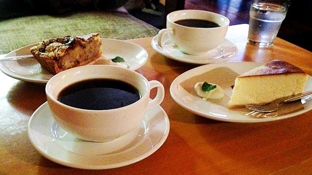 DUBLINroomcafé_コーヒーとケーキ