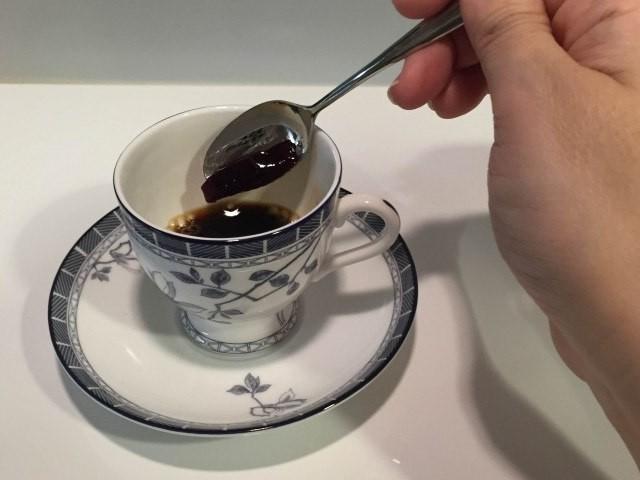 ブルーベリーコーヒー_ジャムを入れる