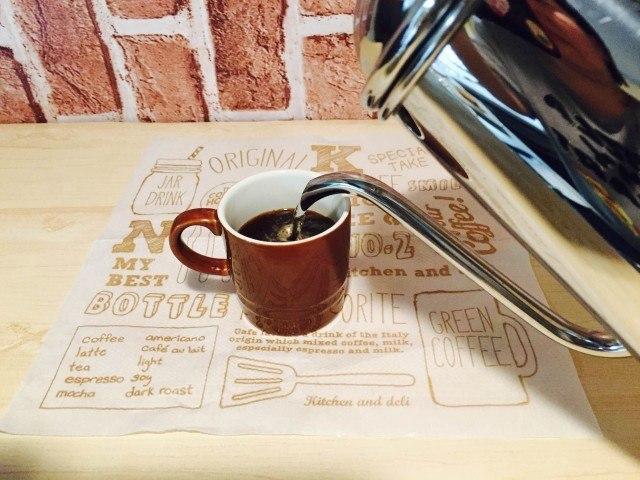 アイスレモネードコーヒーコーヒーを淹れる