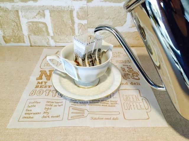 ナツメグコーヒードリップコーヒーを淹れる