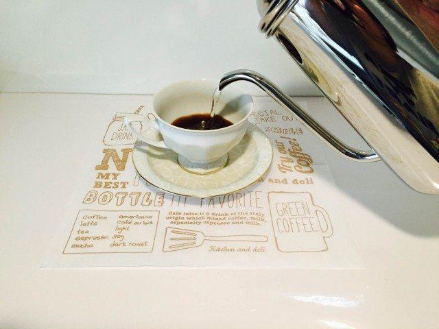 黒豆豆乳コーヒーコーヒーを淹れる