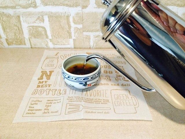 黒豆コーヒーコーヒーを淹れる