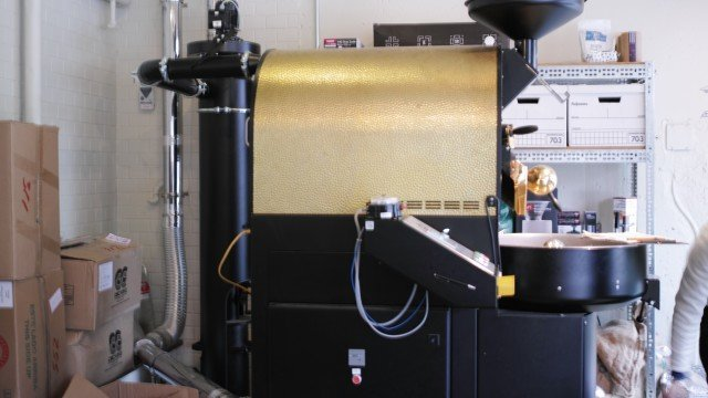 Glitch Coffee & Roasters_roast machine