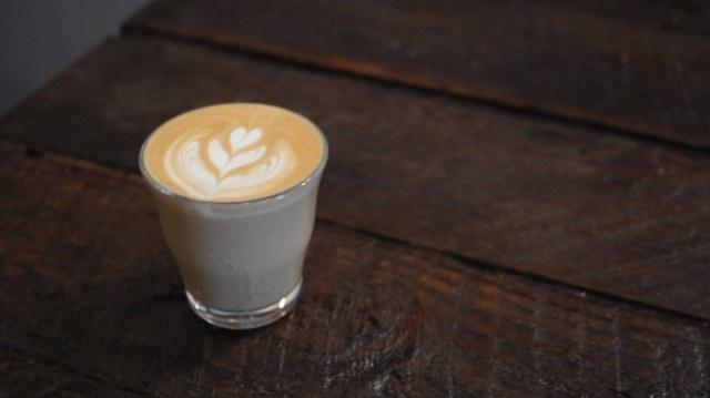 IRON COFFEE_latte