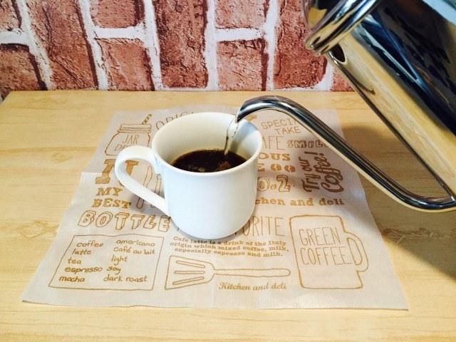 セサミソイラテコーヒーを淹れる