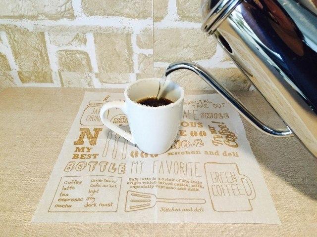 イチゴジャムコーヒーを淹れる