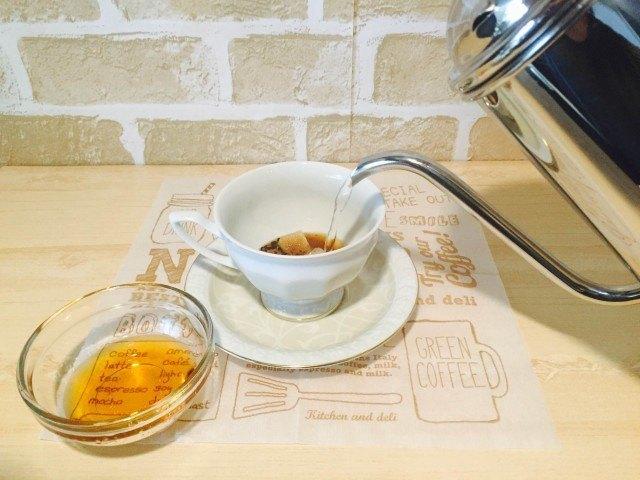 ブランデーコーヒー_湯を注ぐ