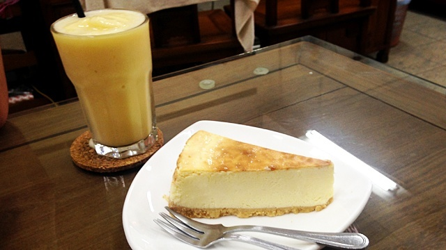 CoffeeatMalacca_シェークとチーズケーキ