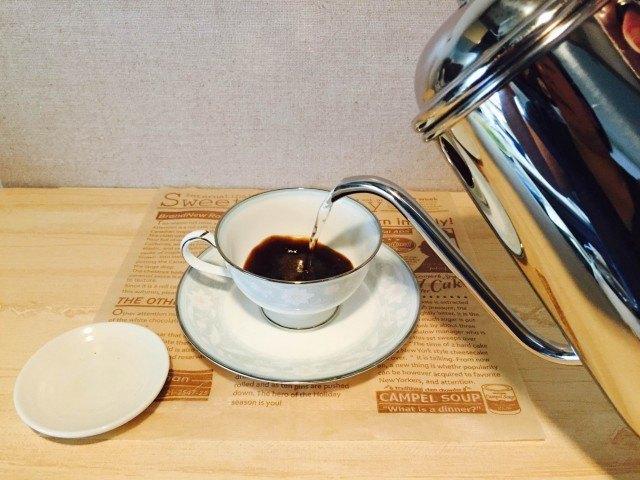 マロンラテ_インスタントコーヒーを淹れる