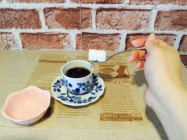 日本酒コーヒー_砂糖を入れる