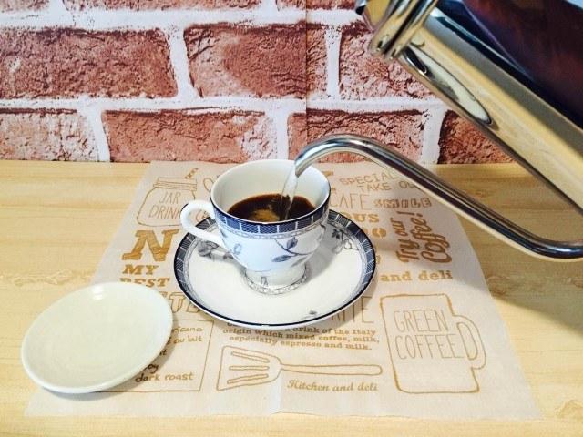 おからコーヒー_インスタントコーヒーを入れる