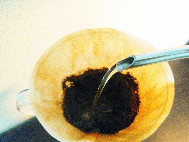 リフレッシュできるコーヒーの淹れ方_太い湯