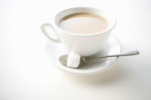 コーヒーと砂糖_グラニュー糖_上白糖