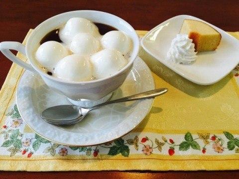 ピーナッツバターコーヒー_マシュマロをのせて完成