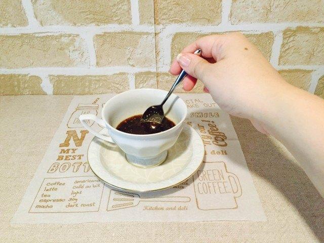 ピーナッツバターコーヒー_かきまぜる