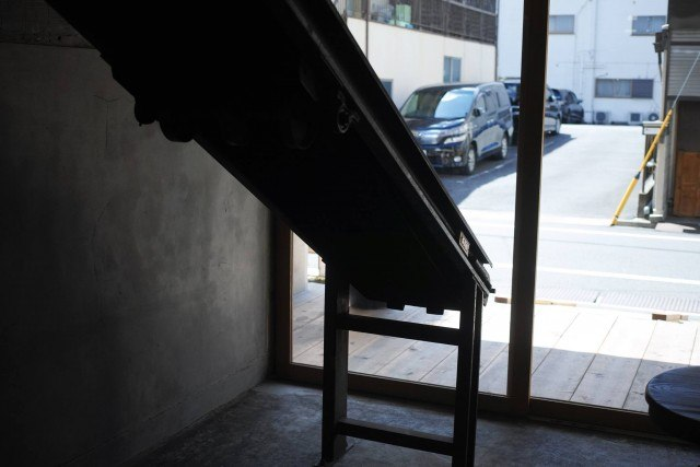 CRAZY CAFE BLANK_interior2