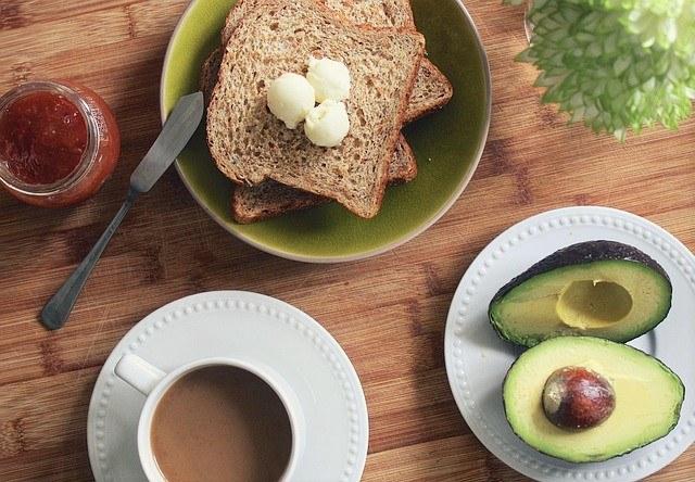 トーストトッピング_トーストとコーヒー
