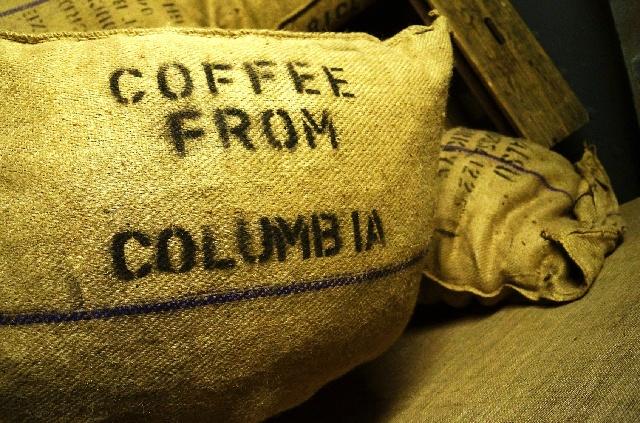 コーヒー豆_貿易_麻袋_倉庫