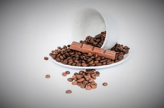 チョコレートで楽しむグァテマラ__コーヒー豆とチョコレート