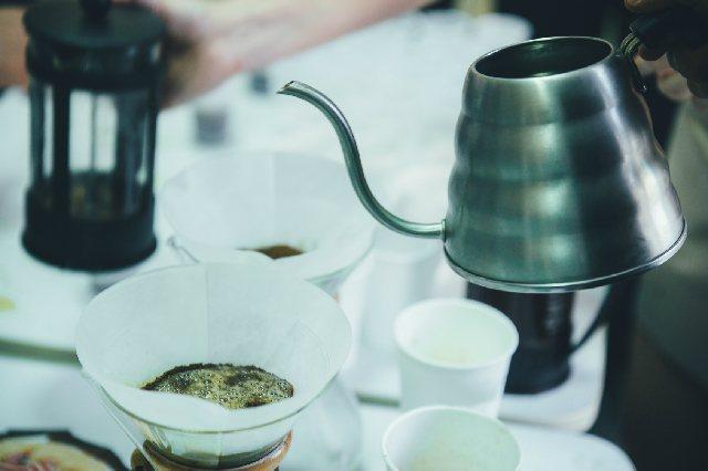 ドリップに必須のやかん「コーヒーケトル」