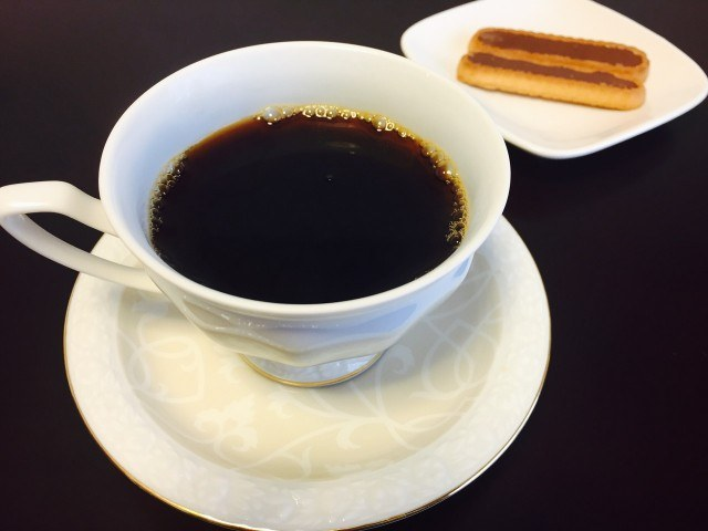 土居珈琲エルサルバドルラレフォルマ農園コーヒーとチョコレート菓子