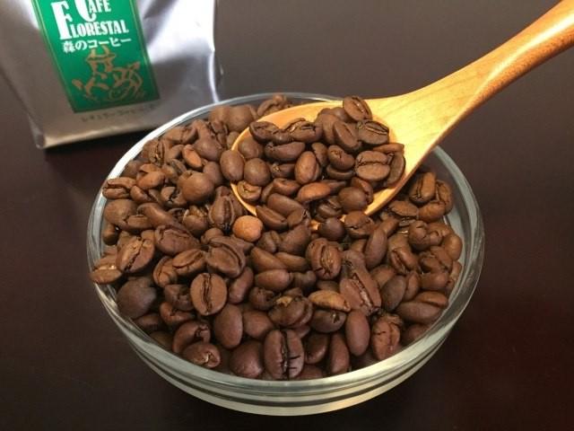 カフェーパウリスタ森のコーヒー豆アップ.