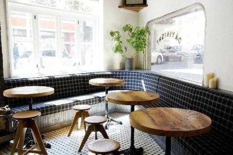 喫茶店 480x320