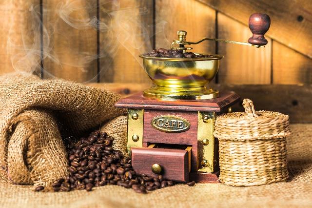 コーヒー豆_焙煎_コーヒーミル_香り