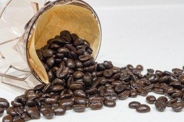 焙煎するとカフェイン量は減っていく?