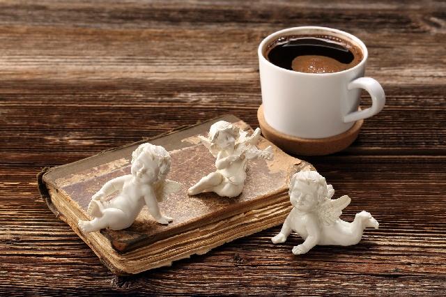 ペルシアの知識人アヴィセンナ医師とコーヒー最古の記録