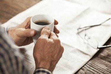 高齢者がコーヒーを控えるべき理由