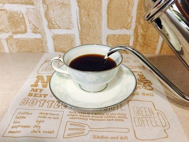 カフェインレスアメリカーノ_追加注湯