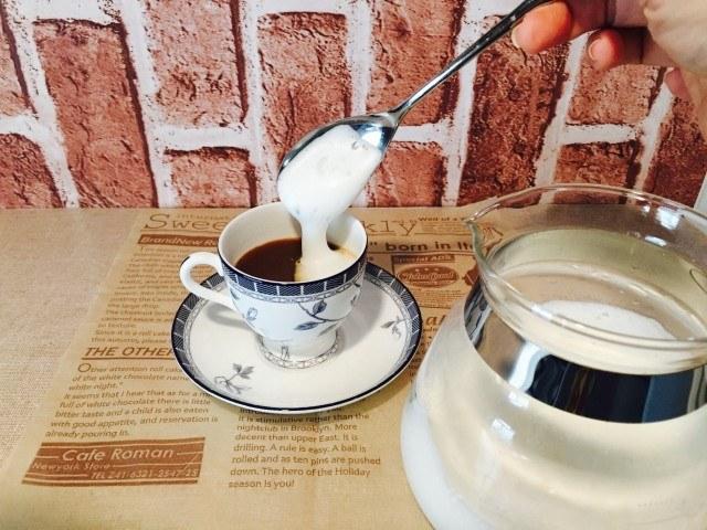 ミロミルクコーヒー_フォームミルクを浮かべる
