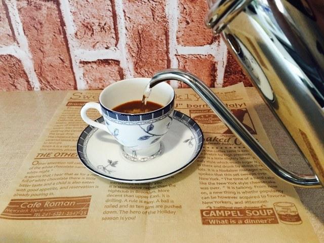 ミロミルクコーヒー_注湯する