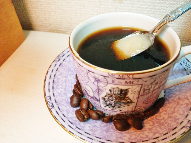 カフェ・ロワイヤル_混ぜる