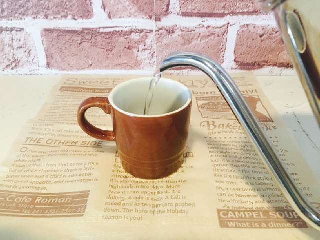 別カップでコーヒーを作る