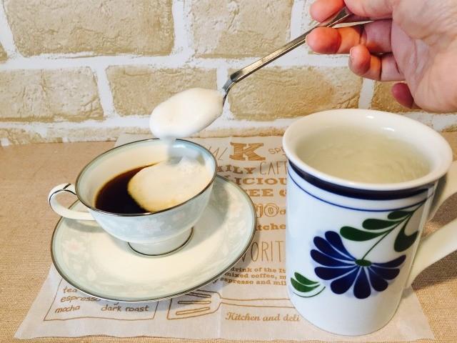 アーモンドミルクミントコーヒー_フォームミルクを入れる